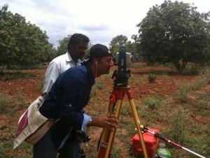 11-07-2013 - Rilievi e misurazioni preliminari alla costruzione delle mura di cinta