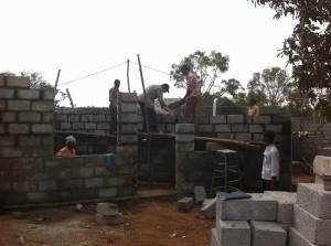 18-01-2014: costruzione degli uffici di accoglienza e sicurezza